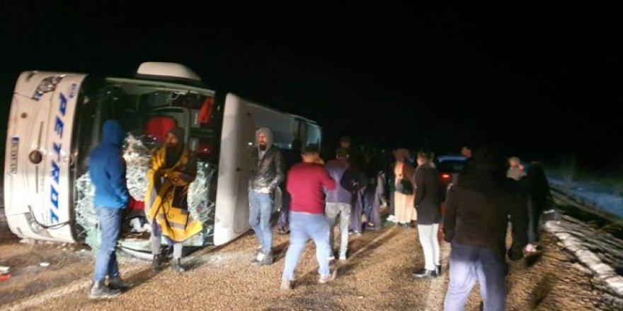 Kayseri'de yolcu otobüsü devrildi: Çok sayıda yaralı var