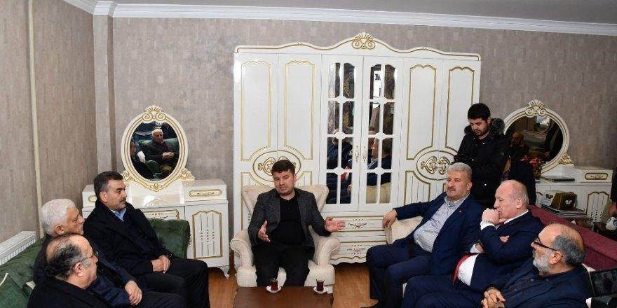Başkan Dinçer esnaflar ile kahvaltıda buluştu