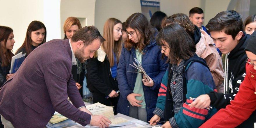KMÜ, Silifke'de öğrencilerle buluştu