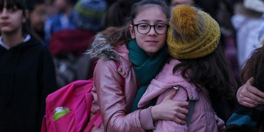 Elazığ'da depremin ardından ilk ders zili çaldı
