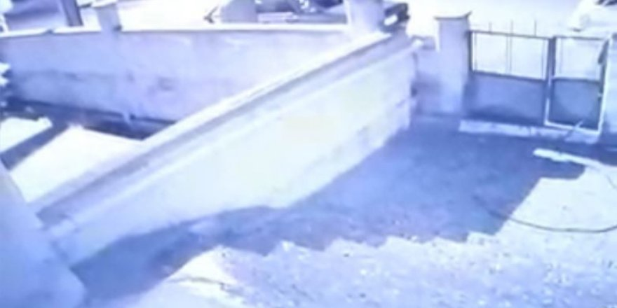 Rahat tavırlı hırsızlık şüphelisi kameraya yakalandı