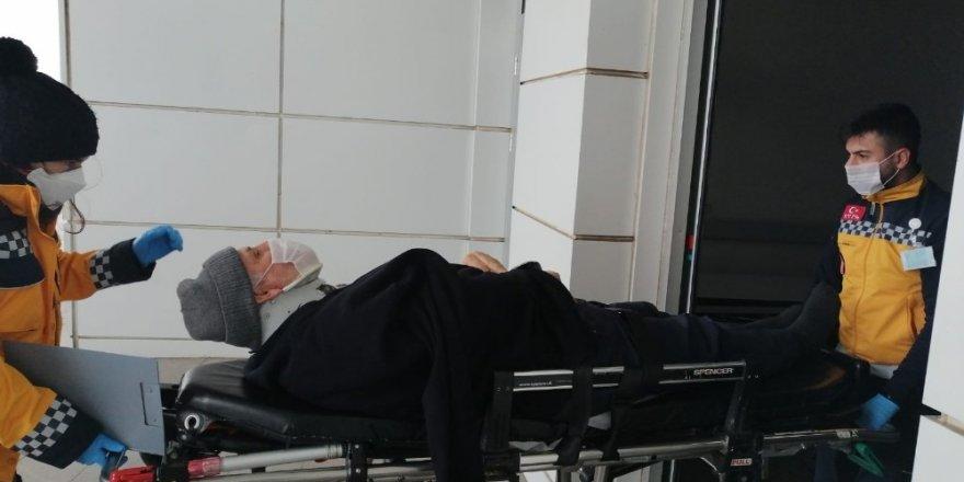 Aksaray'da otomobil şarampole devrildi: 3 yaralı