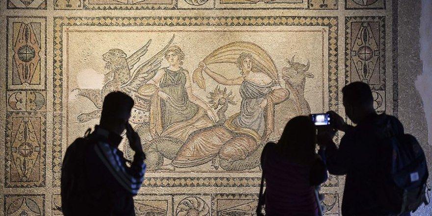 Müzeler sanatseverleri 'online' ağırlıyor