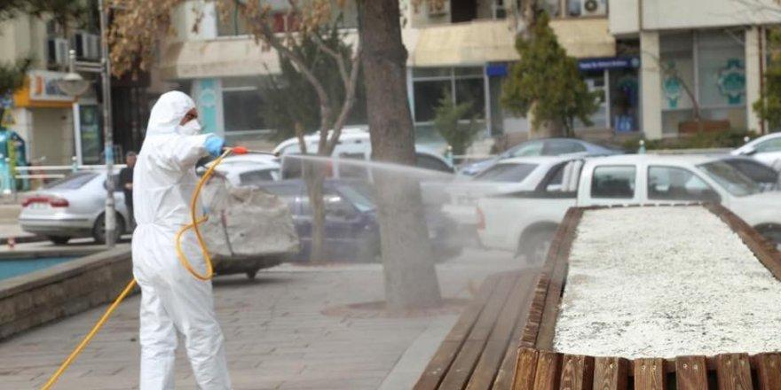 Aksaray'da oto ve hayvan pazarı dezenfekte edilip kapatıldı