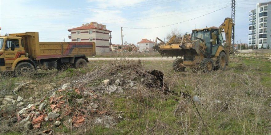 Karaman Belediyesi dezenfekte ve rutin çalışmalara devam ediyor