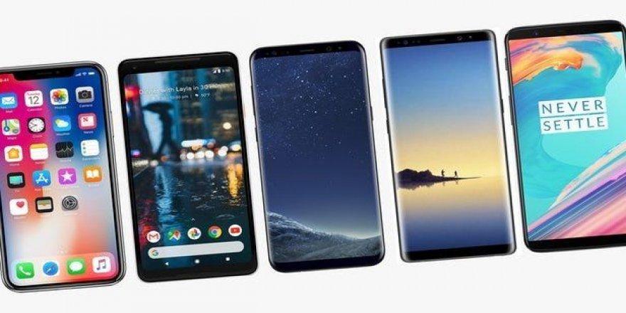 Akıllı telefon üreticileri batmamak için çare arıyor