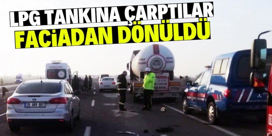 Konya'da LPG tankerine  otomobil çarptı: 4 yaralı