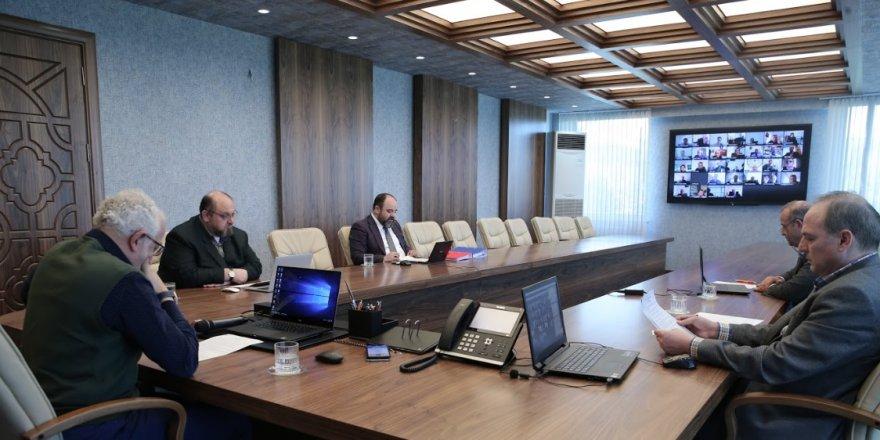 NEÜ'de senato toplantısı video konferansla yapıldı