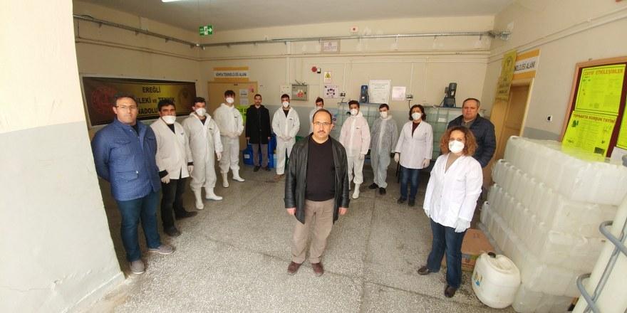 Konya'daki meslek lisesi dezenfektan üretimini haftalık 15 tona çıkardı