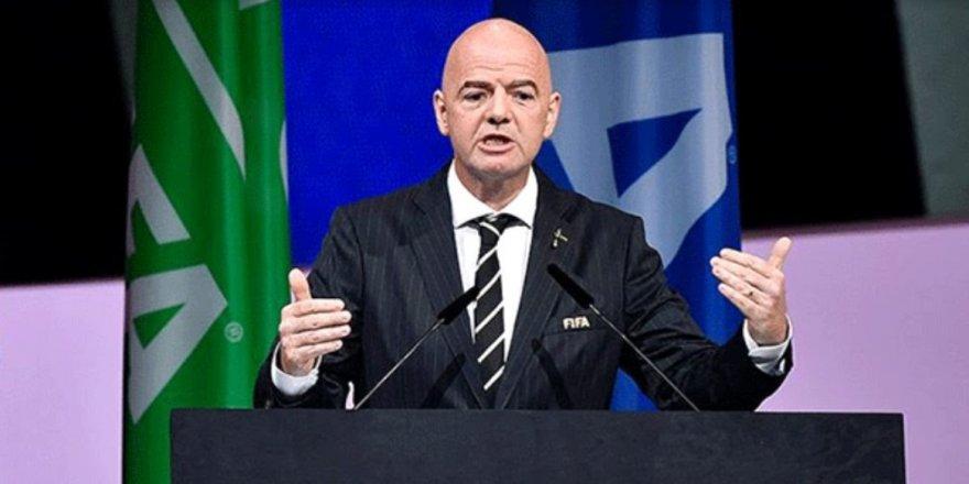 FIFA Başkanı Infantino: Kulüpleri ve futbolcuları koruyacak öneriler gelecek