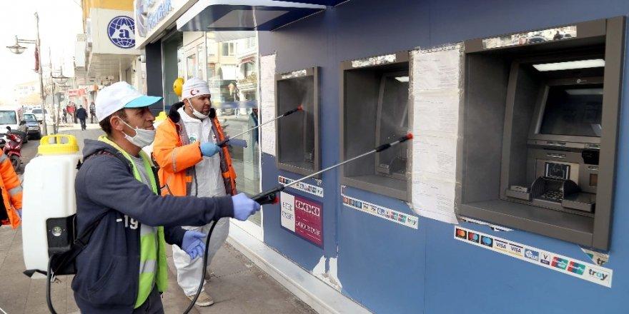 Aksaray Belediyesi dezenfekte çalışmalarını sürdürüyor