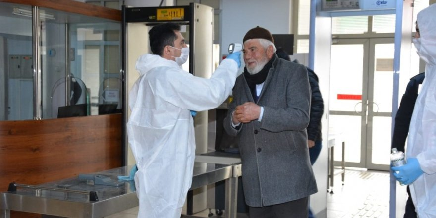 Aksaray'da adliye ve cezaevinde korona virüs tedbirleri üst seviyede