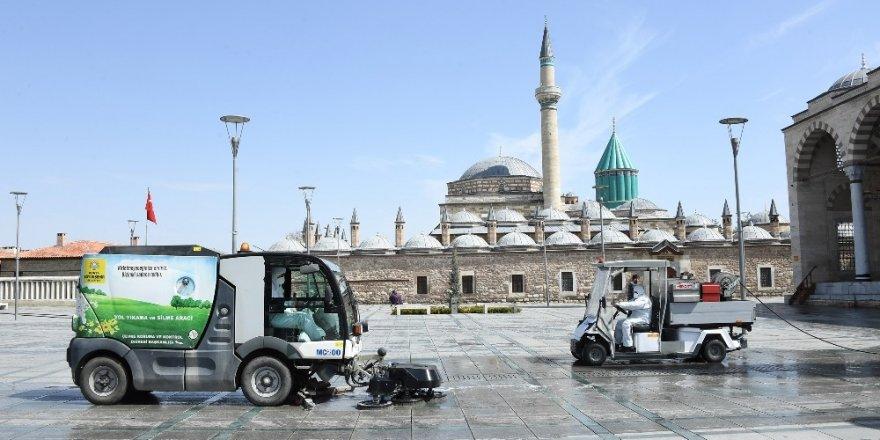 Konya'da dezenfeksiyon çalışmaları artarak devam ediyor