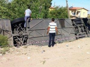 Aksarayda otobüs devrildi: 6 ölü, 17 yaralı