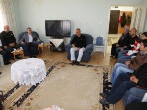 Vali Ataklı'dan şehit ailesine taziye ziyareti