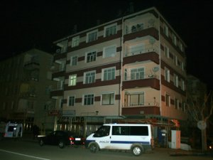 4. kattan düşen genç ağır yaralandı