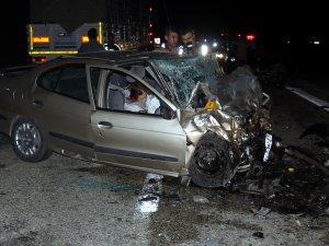 Üç otomobil çarpıştı: 6 ölü