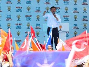 Davutoğlu: Dörtlü çeteye ülkeyi bırakmayız