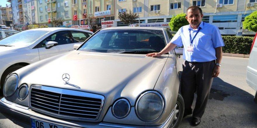 Firari emniyet müdürünü ihbar edene otomobilini bağışlayacak