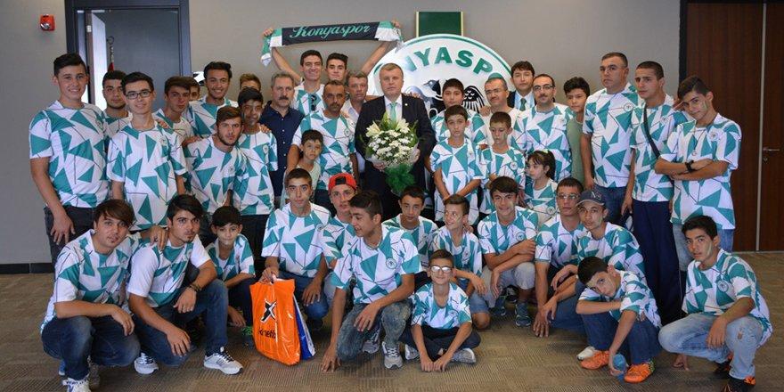 Konyaspor, özel misafirleri ağırladı