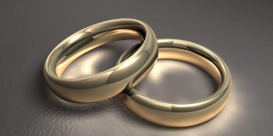Söz Yüzükleri ile Akılda Kalan Evlilik Teklifi