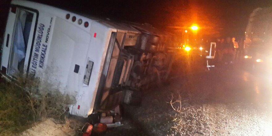 Kulu'da midibüs devrildi: 2 ölü, 7 yaralı