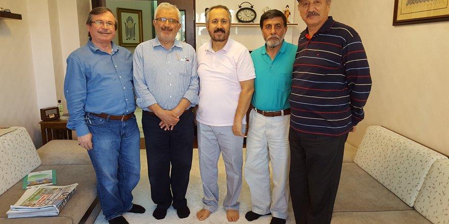 Ahmet Köseoğlu'na 'geçmiş olsun' ziyareti