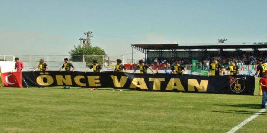 Amedspor taraftarı 'Önce Vatan' pankartını yuhaladı