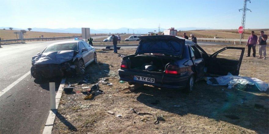 Konya'da iki otomobil çarpıştı: 2 ölü