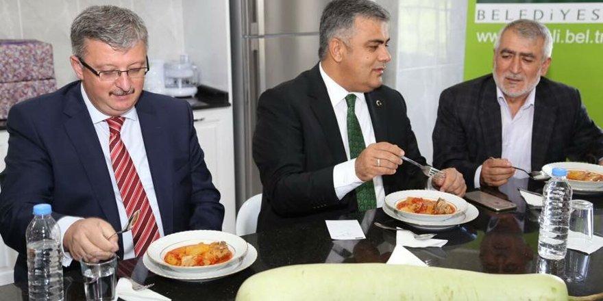 Ereğli'de uzun kabak yemeği yarıştı