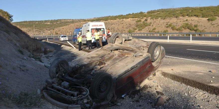 Suriyeliler tatil yolunda kaza yaptı: 2 yaralı