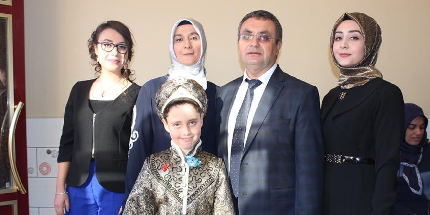 Kılınçaslan ailesinin sünnet mutluluğu