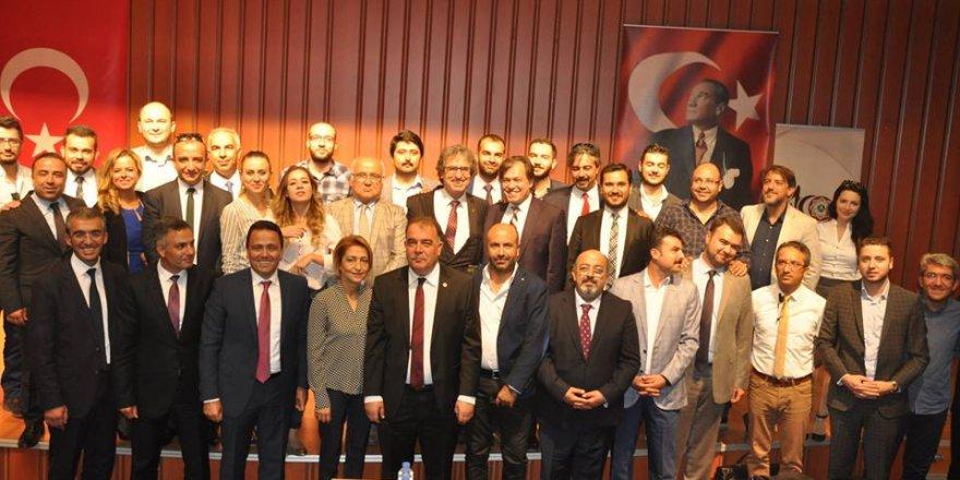 Mustafa Aladağ mazbatasını aldı