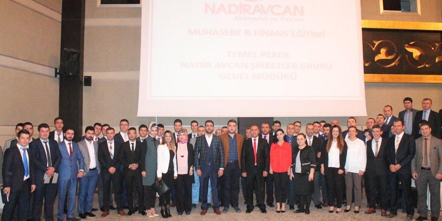 Nadir Avcan'da finans ve liderlik semineri
