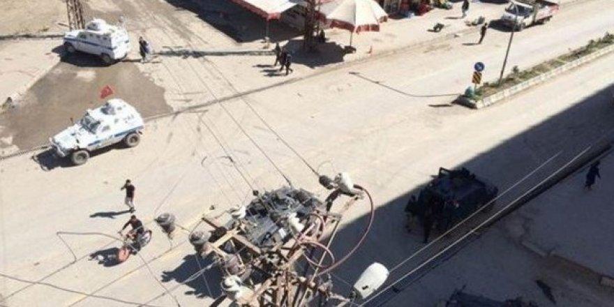 Yüksekova'da zırhlı aracın silahı ateş aldı: 4 ölü