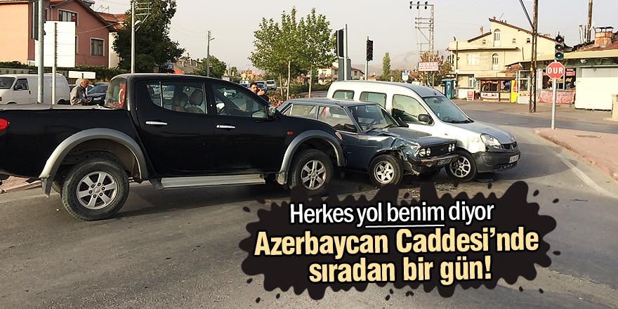 Azerbaycan Caddesi'nde sıradan bir gün!