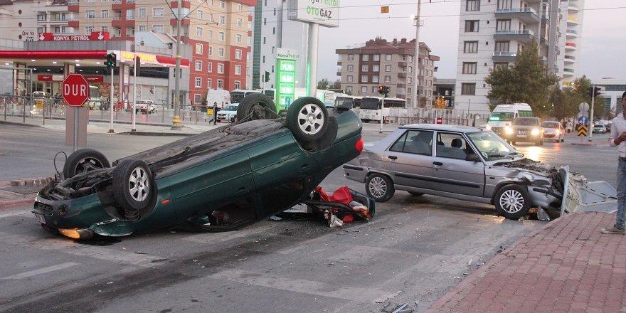 Kışla Caddesi'nde kaza: 2 yaralı