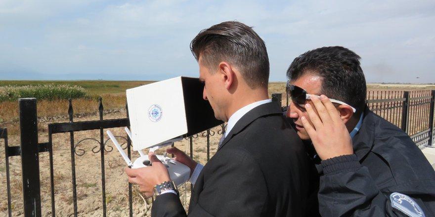 Gölde denetim yapan jandarma ekiplerine drone desteği