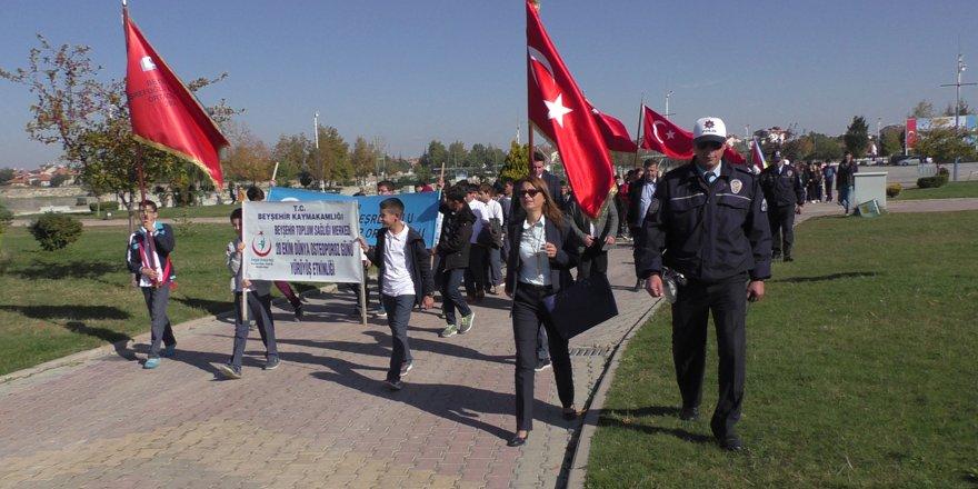 Öğrenciler osteoporoza dikkat çekmek için yürüdü