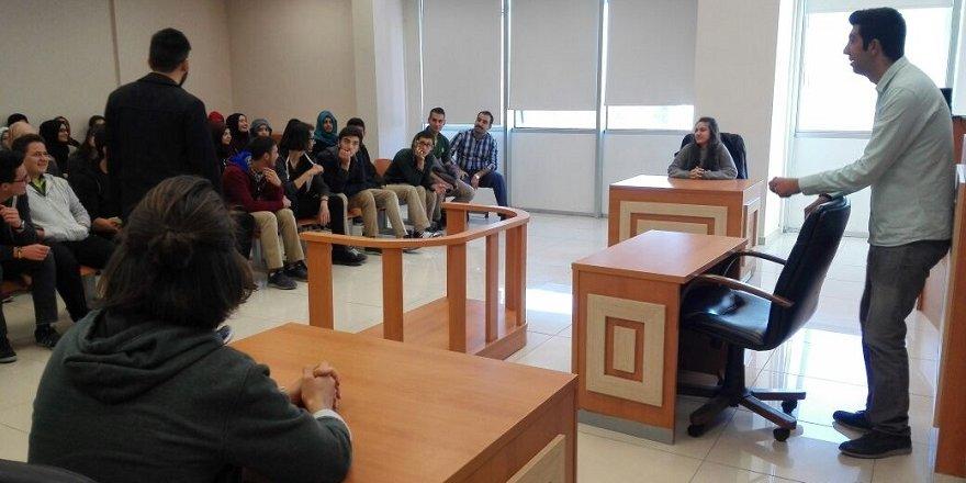Enderun Öğrencileri Karatay Üniversite'sini ziyaret etti