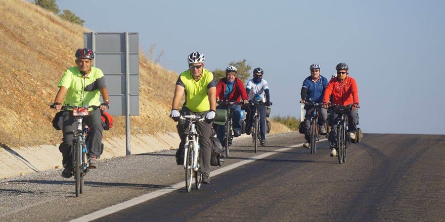 165 kilometre pedal çevirdiler