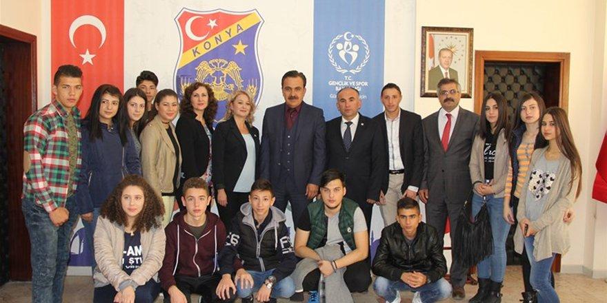 Romanya'lı gençlerden Ömer Ersöz'e ziyaret