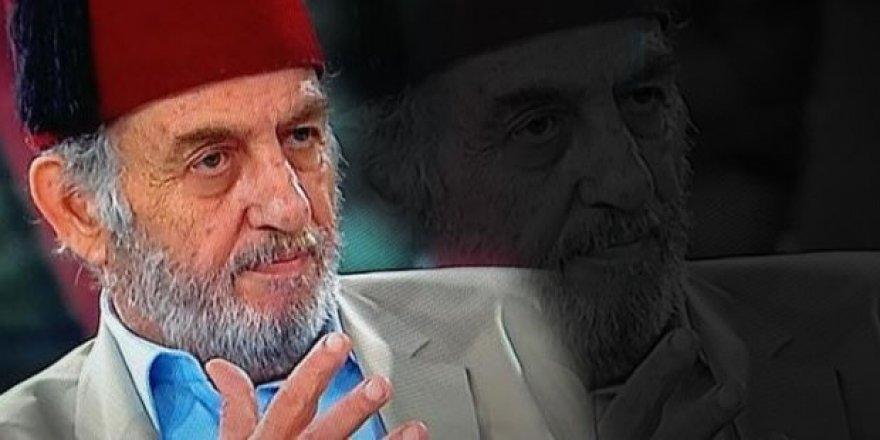 """MHP'li yazardan Kadir Mısıroğlu'na: """"Tımarhanelik deli"""""""