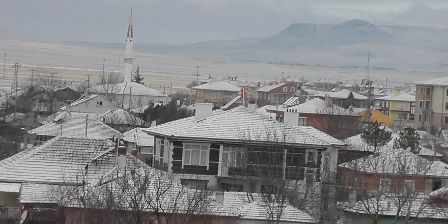 Kulu kar yağışının ardından beyaza büründü