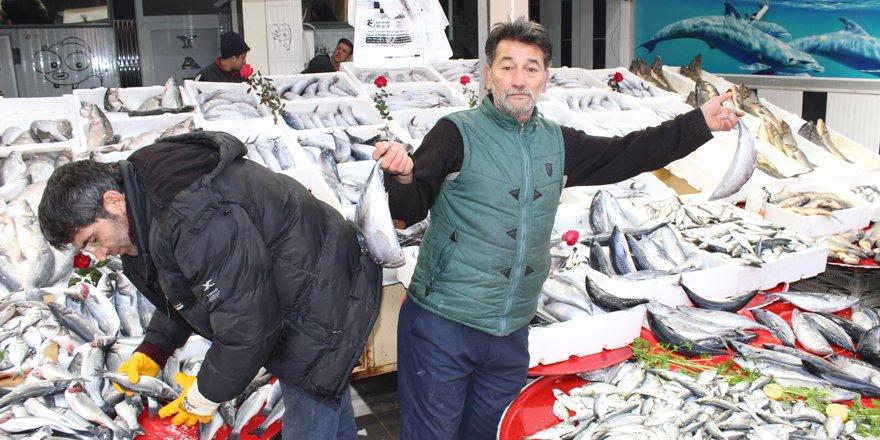 Yağışlar balık fiyatlarını etkiledi
