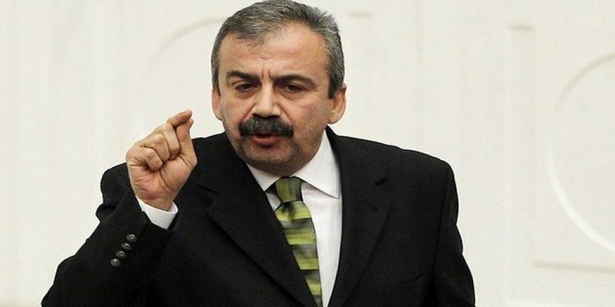 Sırrı Süreyya Önder'e 40 yıl hapis istendi