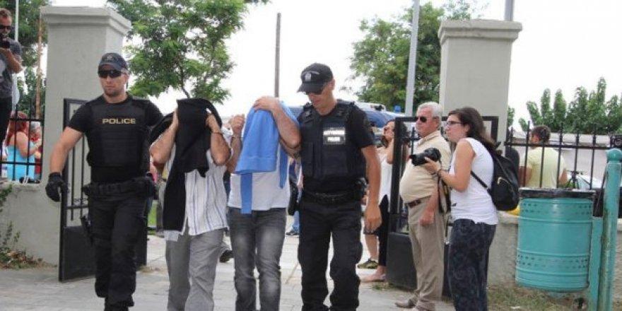 Yunanistan 5 darbeciyi iade etmiyor