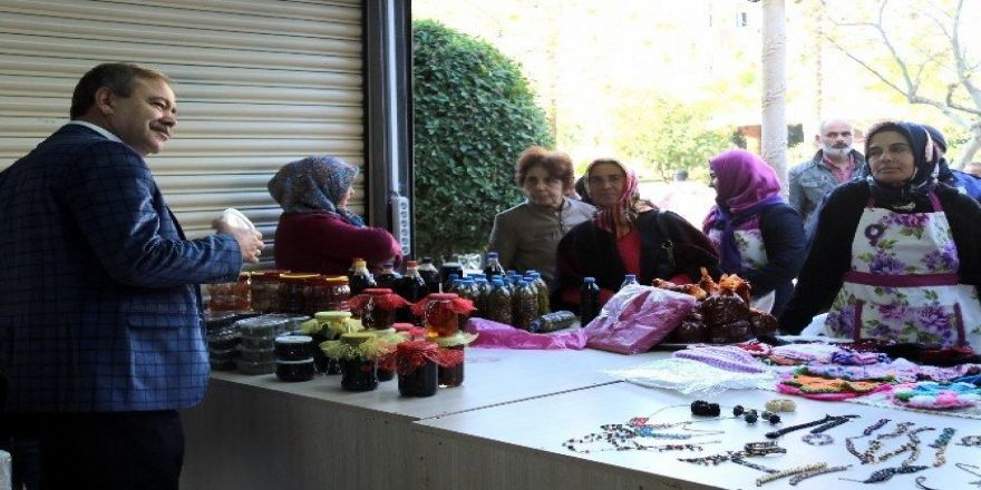 Akdeniz Belediyesi Kadın Emeğini Değerlendirme Pazarı açıldı