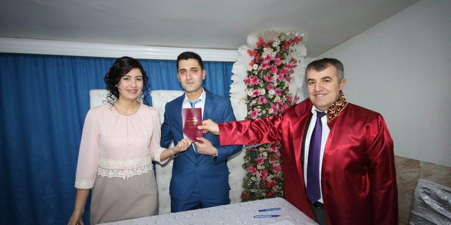 Beyşehir'de 2017 yılının ilk nikahı kıyıldı