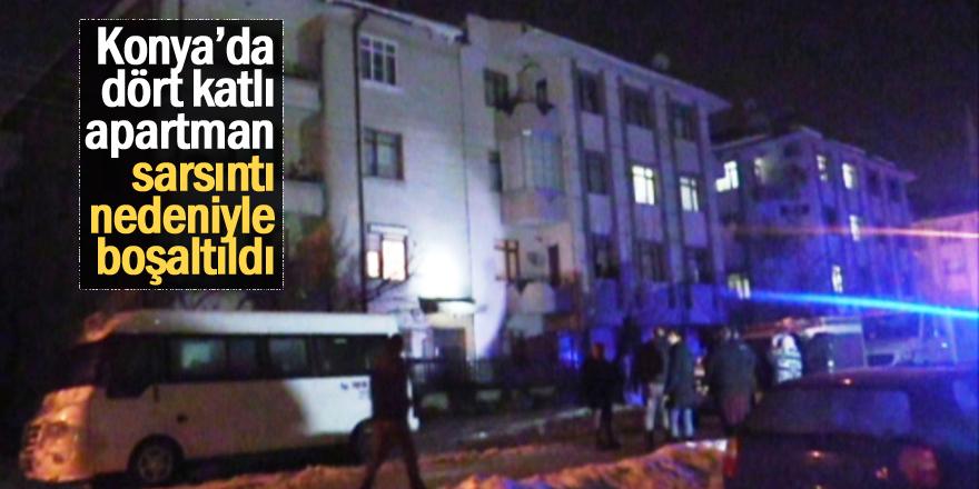 Konya'da dört katlı apartman sarsıntı nedeniyle boşaltıldı